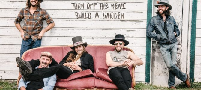 Lukas Nelson & Promise Of The Real – Turn Off The News (Build A Garden)