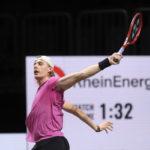 bett1HULKS Championship 2020: Gilles Simon (FRA) - Denis Shapovalov (RUS) 6-1 4-6 6-2