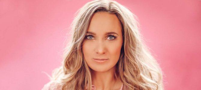Spotlight – Flyctory.com meets Emma Stevens (4th February 2021)