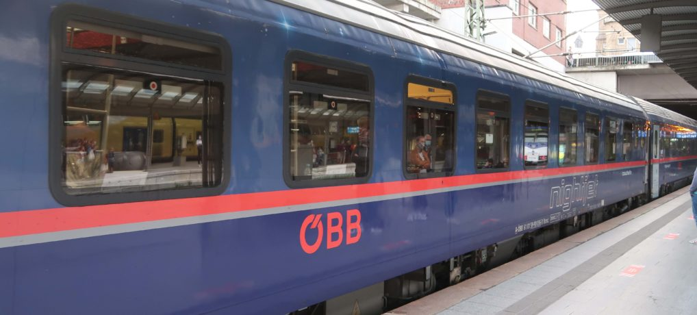 Four Countries, Four Trains – A Trip on Tracks (Preview)